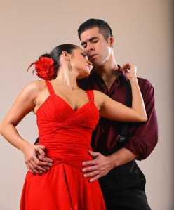 """María (Catalina Cuervo) and El Payador (Luis Alejandro Orozco) in Syracuse Opera's """"María de Buenos Aires."""" (Photo by Dick Blume)"""